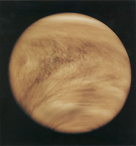 Cloud structure in the Venus atmosphere