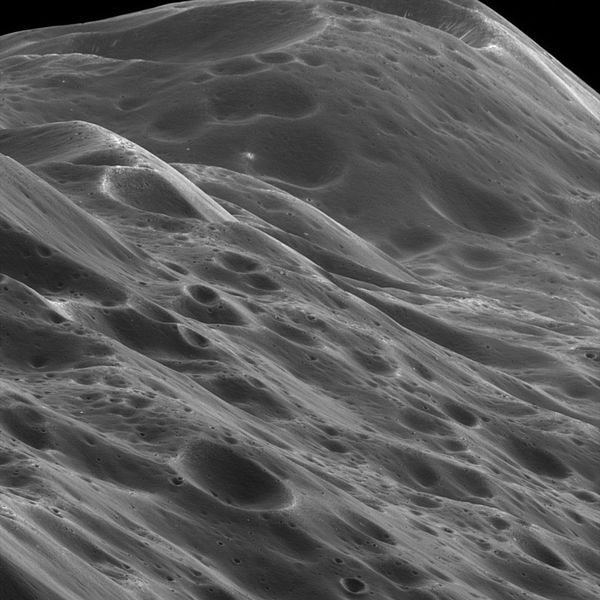 Iapetus_surface